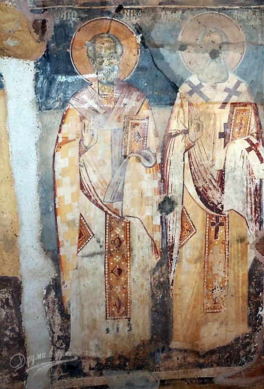 Манастир Света Богородица Порфирна: стенописите в църквата