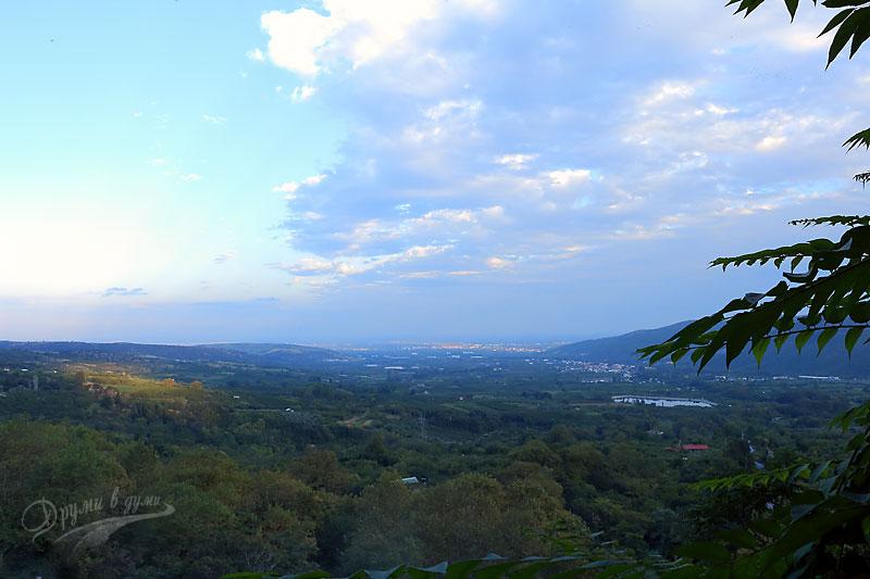 Панорама към Долния град