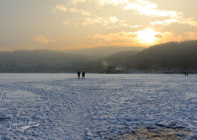 Панчарево: замръзналото езеро