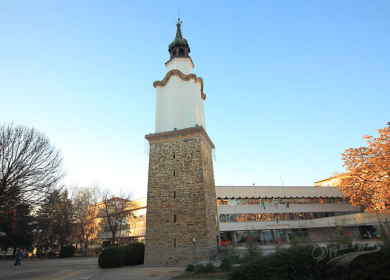 Часовниковата кула в Ботевград