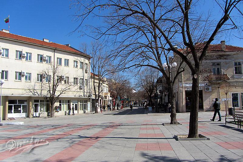 Елхово: пешеходната зона в центъра