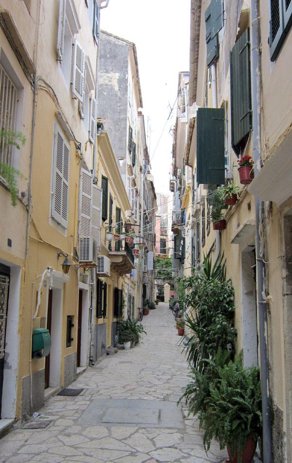 Остров Корфу: по тесните улички