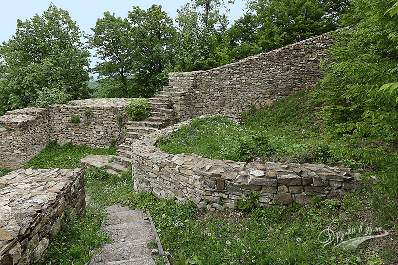 Крепост Хоталич: военна кула