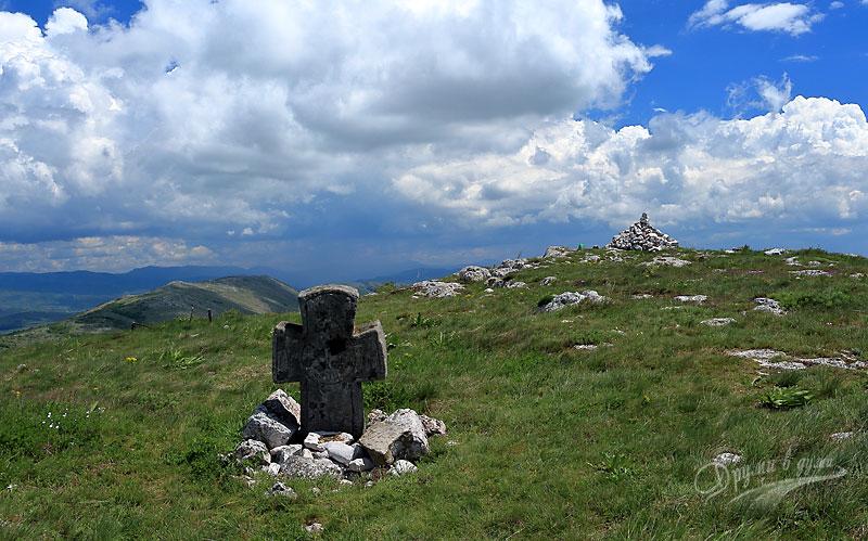 връх Петров кръст в Чепън планина