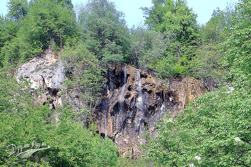 Glozhene waterfall