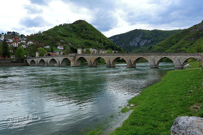 Вишеградският мост над река Дрина