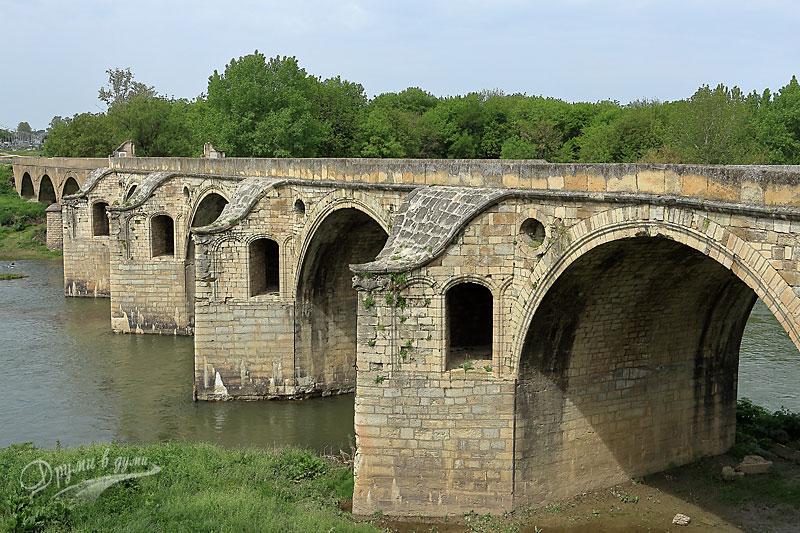 Мостът на Колю Фичето над река Янтра край Бяла