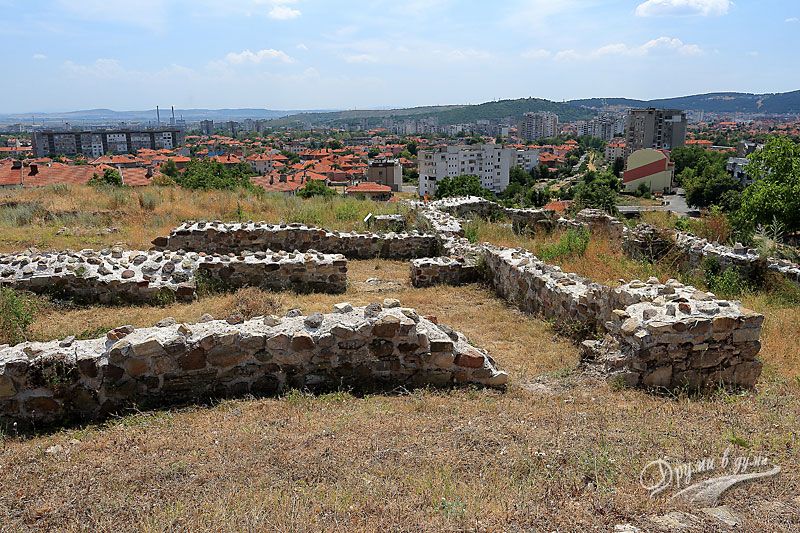 Крепост Туида и гледка към Сливен