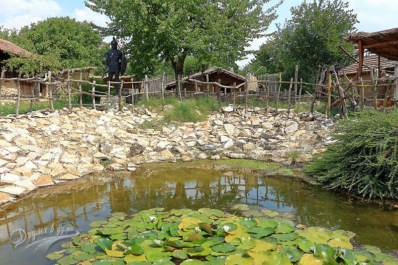 Езерцето с лилиите