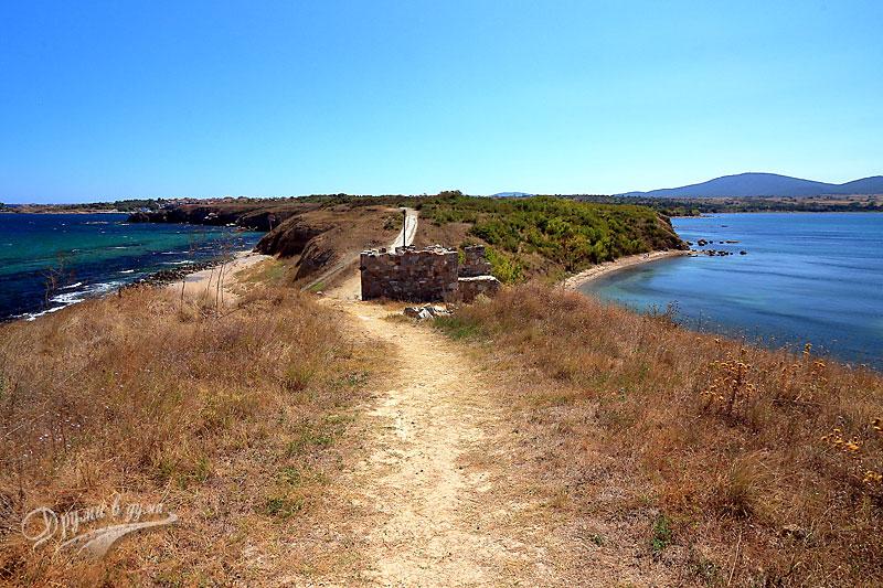 Черноморец: крепостта Акра