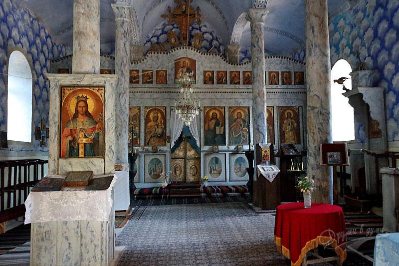 Вътре в църквата Рождество Богородично