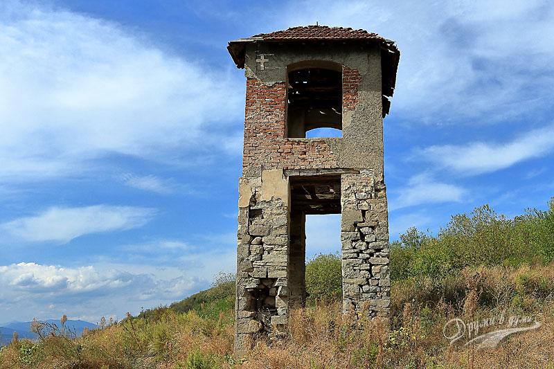Край Монтана: камбанарията на потопената църква