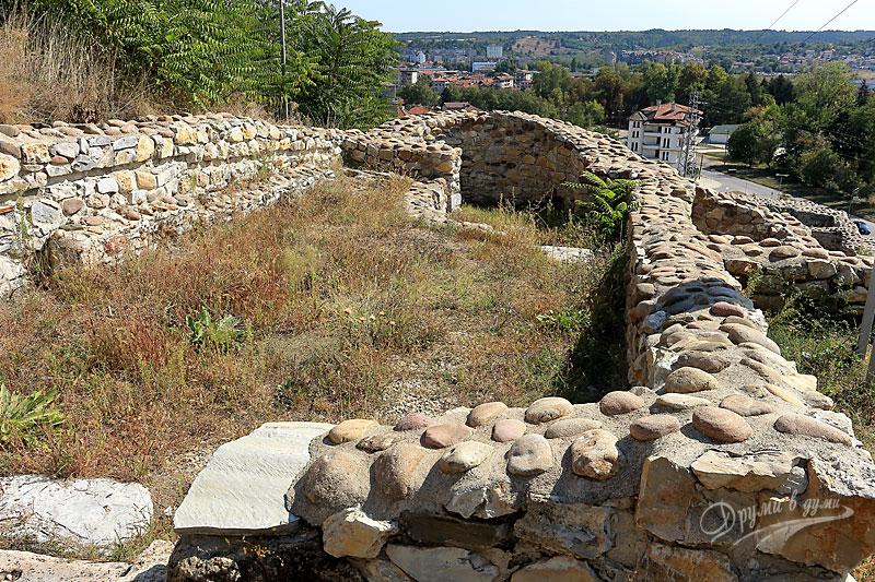В крепостта Кастра ад Монтанезиум: църква