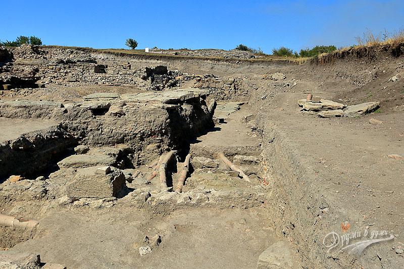 Деултум: останки от антична канализация