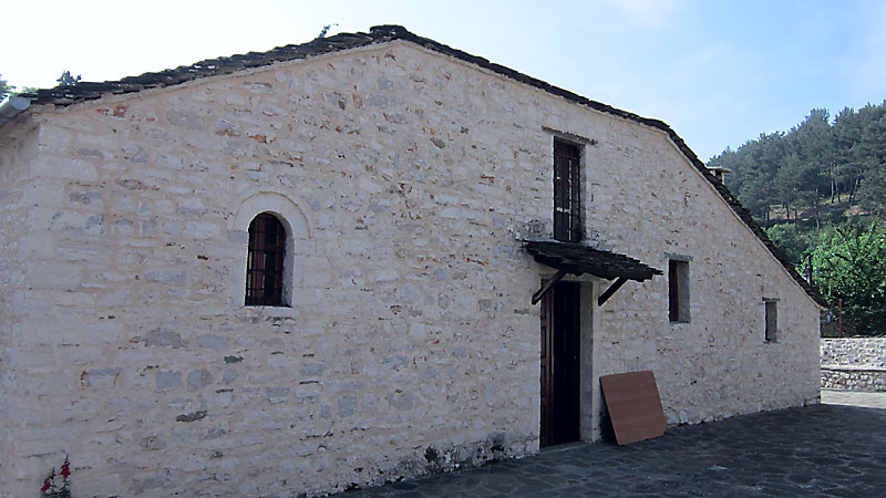 Остров Ниси: църквата Св. Успение Богородично