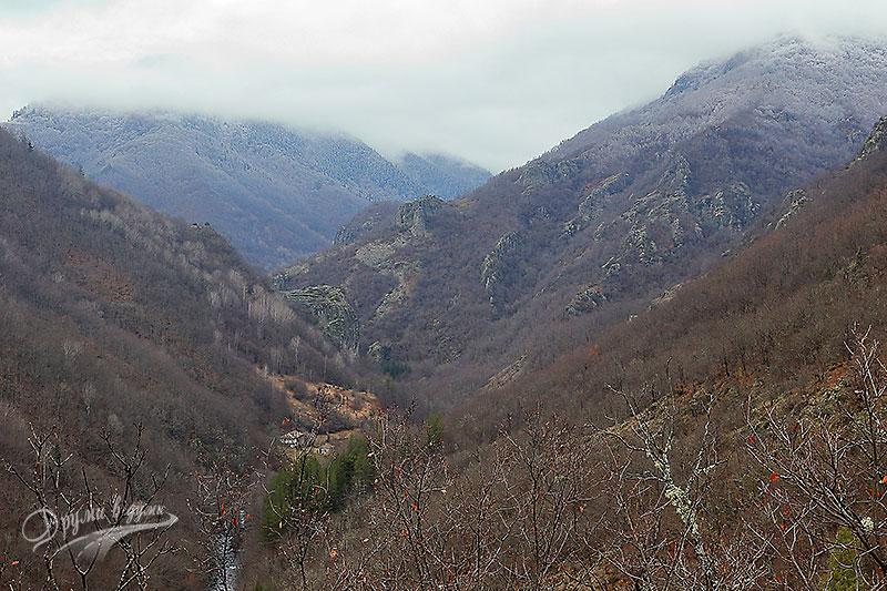 Местност Калето - гледка към Лъката