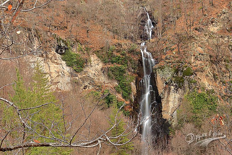 Водопад Самодивско пръскало - поглед от високо