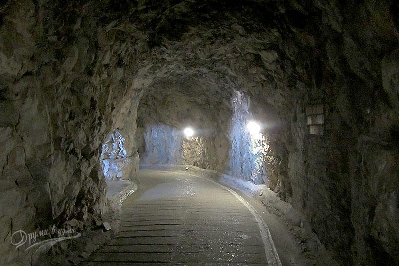 Гибралтар: в тунелите