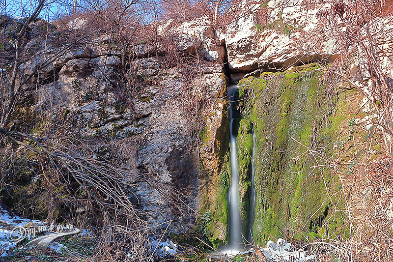 The waterfall near the Little Lako