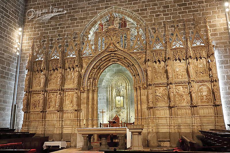 Валенсия: параклисът със Светия Граал