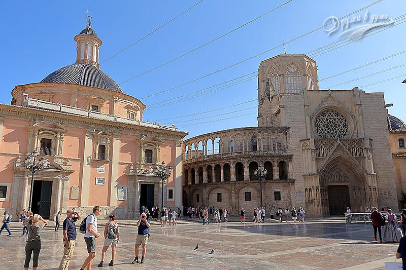 Валенсия: площадът на Девата