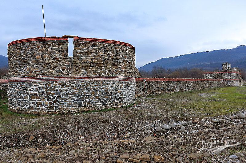 Крепост Состра: Източната стена