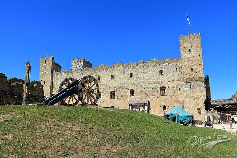 В замъка Раквере