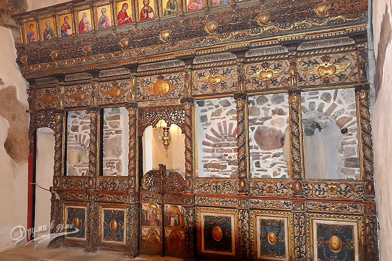 The Assumption Church: the beautiful iconostasis