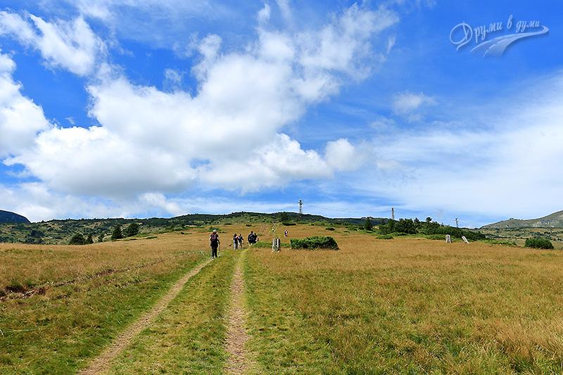 Първи метри от маршрута към връх Белмекен