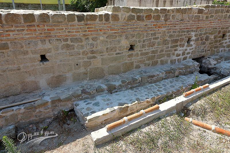 Акве Калиде: останки от римските терми