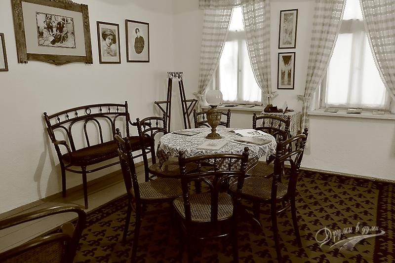 """Къща музей """"Гео Милев"""": интериор"""