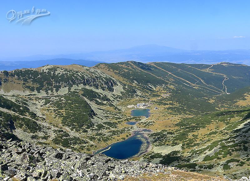 Поглед към хижа Мусала и езерата отвисоко
