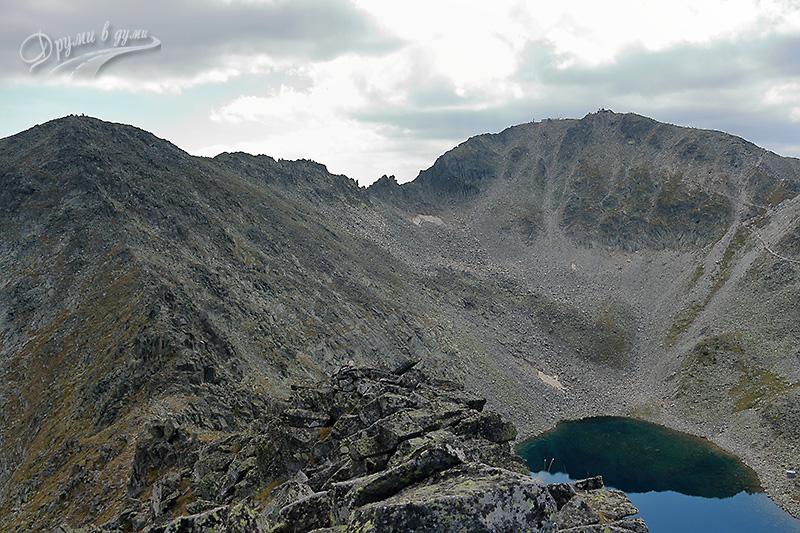 На връх Иречек - в далечината са Малка Мусала, Трионите и Мусала