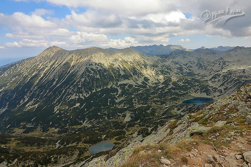 Муратов връх: поглед към връх Тодорка и Бъндеришки езера