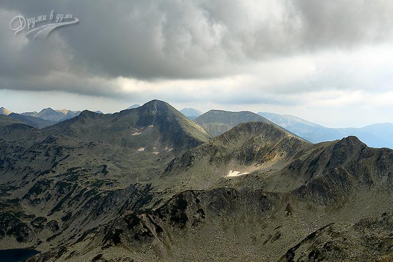 Дончови караули и Бъндеришки чукар - поглед от Муратов връх