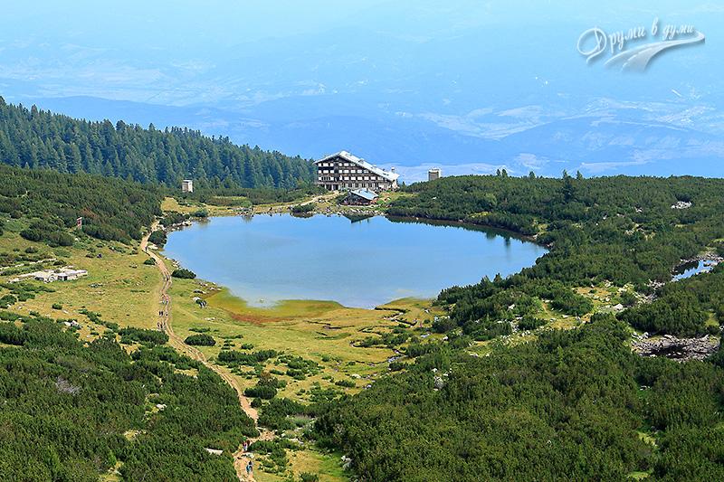 Хижа Безбог и Безбожкото езеро, поглед от Душевадката