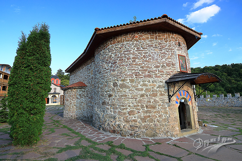 Гигински манастир – старата църква