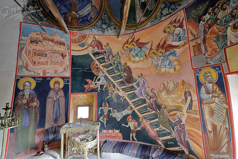 Гигински манастир – в старата църква
