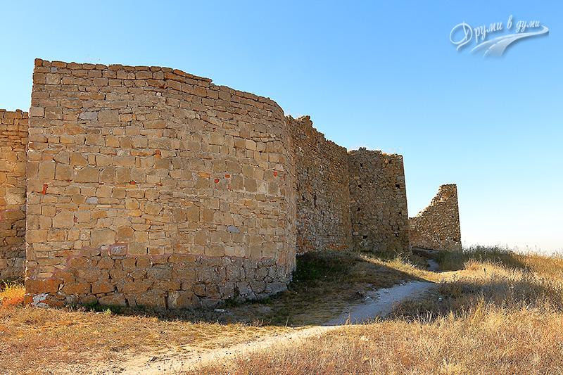 В изследване на крепостта Енисала