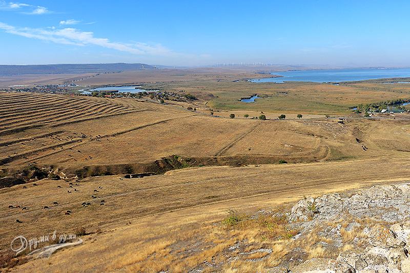 Поглед към езерата