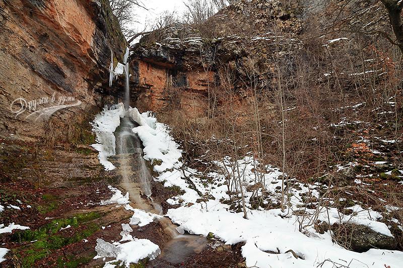 Водопадът над Церово