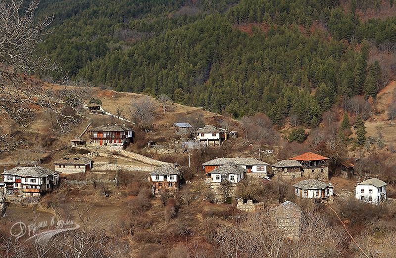 Родопски гледки от село Долен