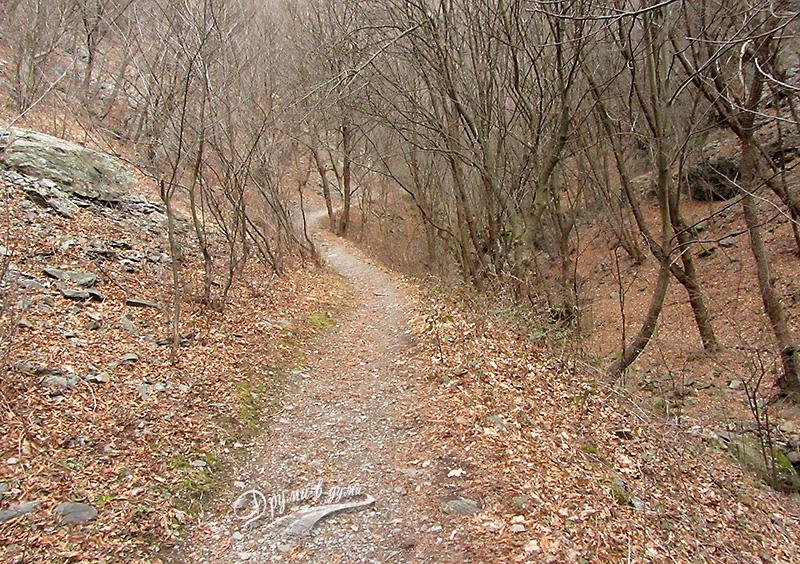 По пътеката към Сопотски водопад