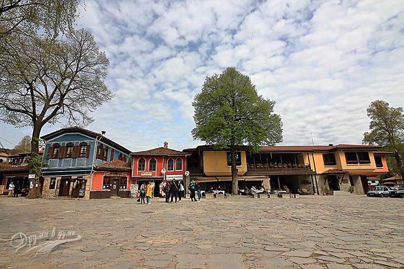 Площад 20-ти април в Копривщица