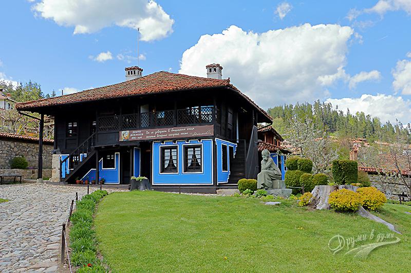 Родната къща на Димчо Дебелянов в Копривщица