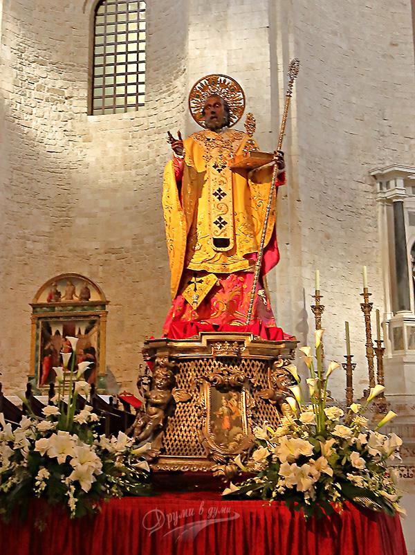 Статуята на свети Николай