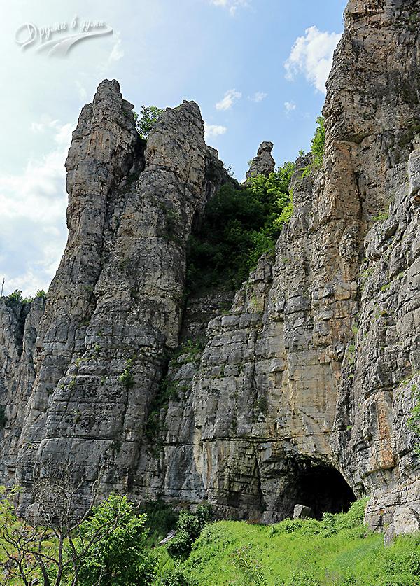 Ръжишка пещера