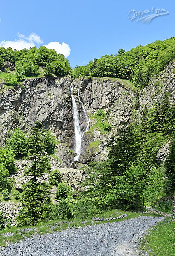 След завоя: водопад Кадемлийско пръскало