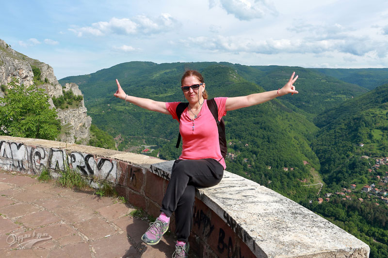 На паметника Септемврийци отгоре на Лакатнишките скали