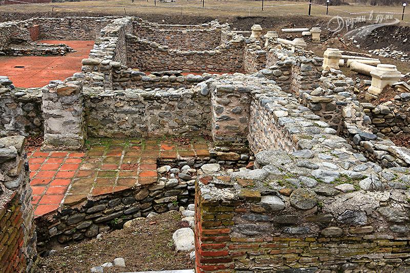 Никополис ад Нестум: останки от късноантична баня